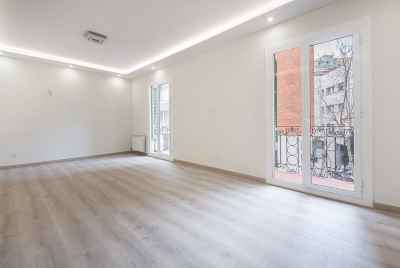 Spacious renovated apartment in a prestigious district of Barcelona